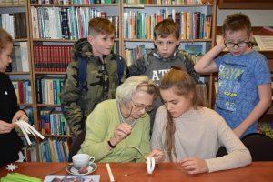 Warsztaty papiernicze w Bibliotece