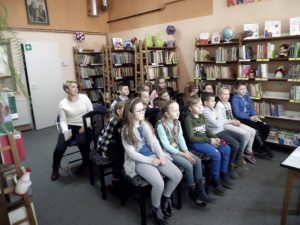 """""""Praca w bibliotece, zasady korzystania z biblioteki"""" - lekcja biblioteczna z uczniami kl. II Szkoły Podstawowej w Malechowie"""