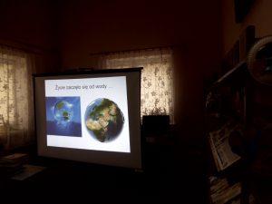 """""""W magicznym świecie wody"""" - lekcja biblioteczna z uczniami kl. I Szkoły Podstawowej z Malechowa"""
